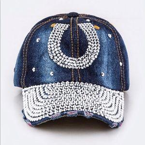 b38bc3c8f7aa9 Bling horseshoe cap